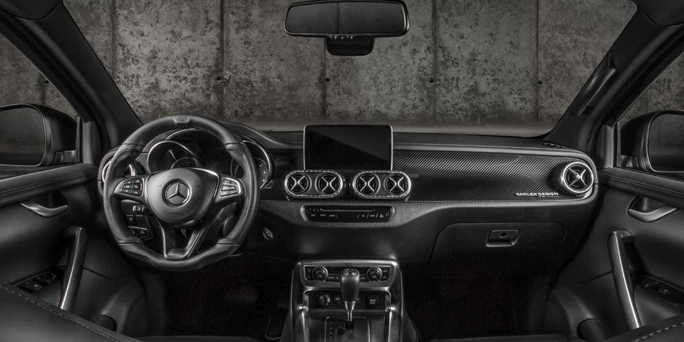 MERCEDES-BENZ_XCLASS_EXY_CARBON_X_EXTRA_FEATURES_01.jpg