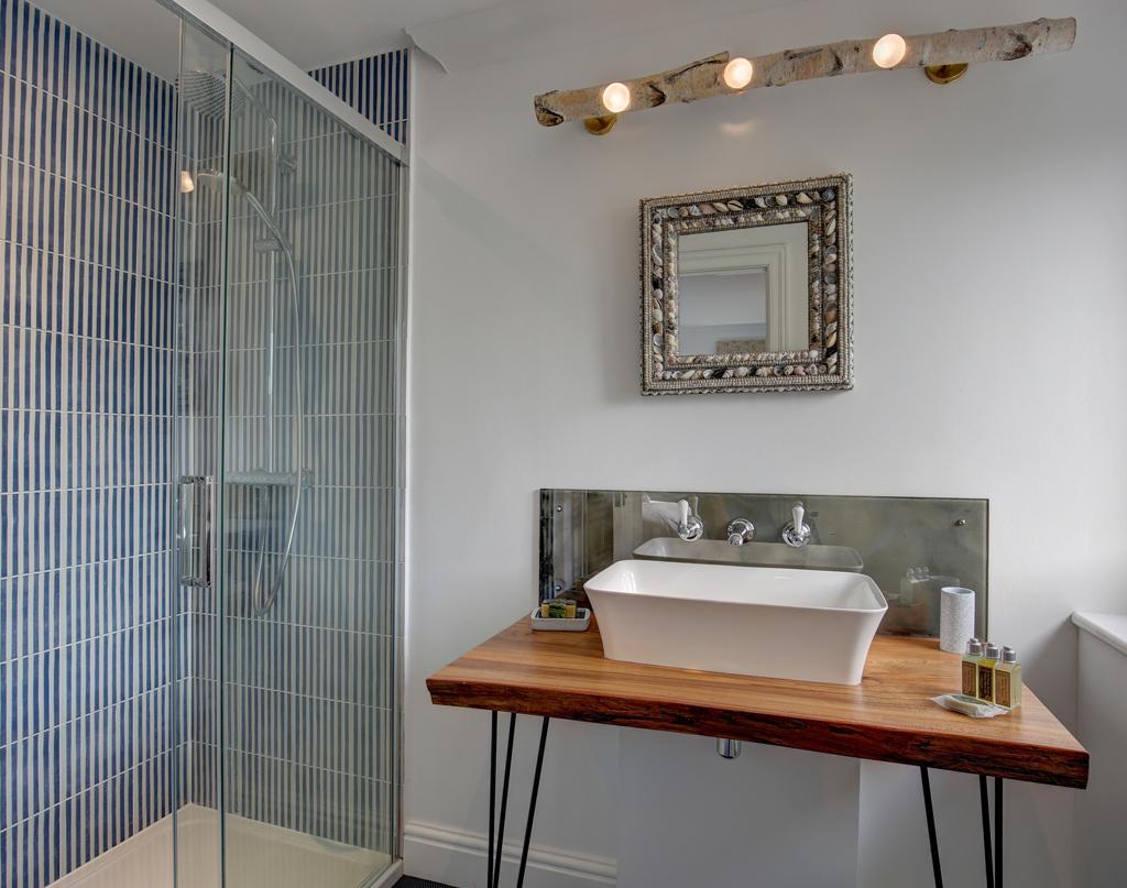 BHB-bathroom-new-1.jpg