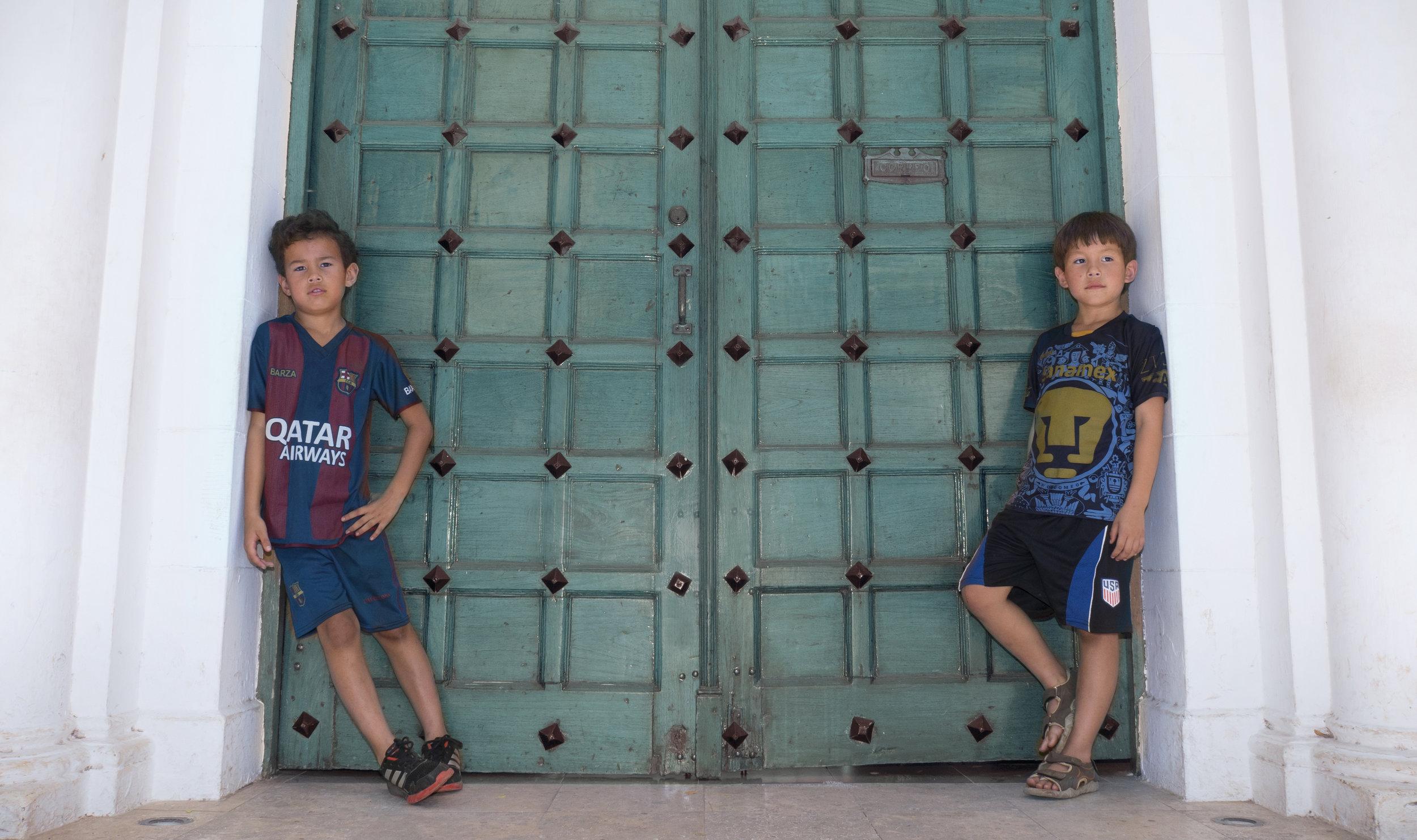 09_WS_BOYS_DOOR_Aquadoor_cropped.jpg