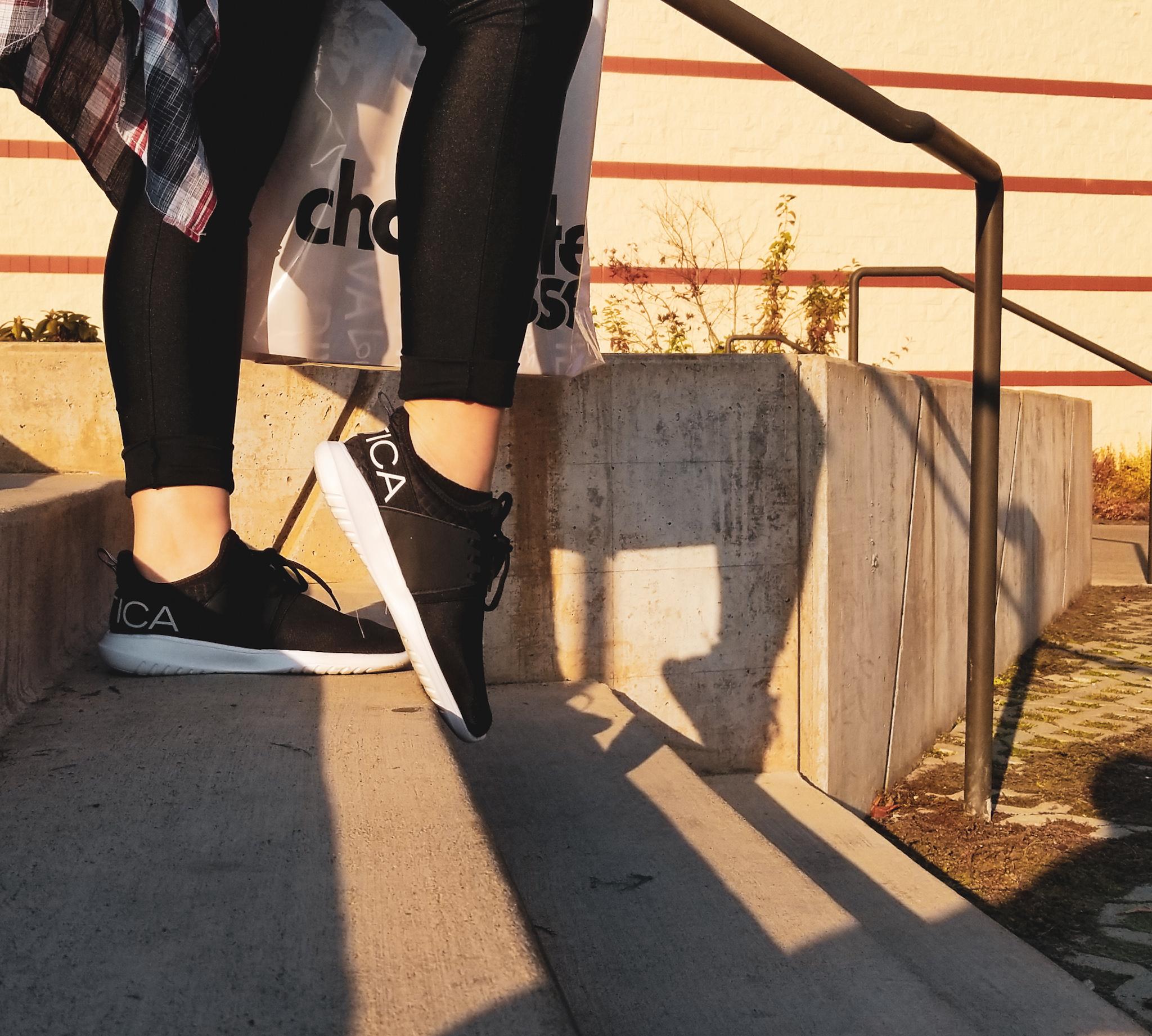 ONE. - COMFORTABLE FOOTWEAR