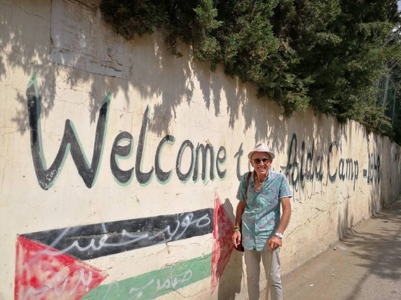 Ray Goodlass at the entrance to the Aida Refugee Camp