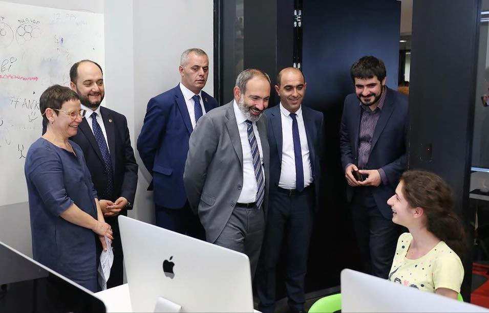 Armenian Prime Minister Nikol Pashinyan  visits a TUMO Lab run by HGEMer Nazeli Hagen '21 | July 2018