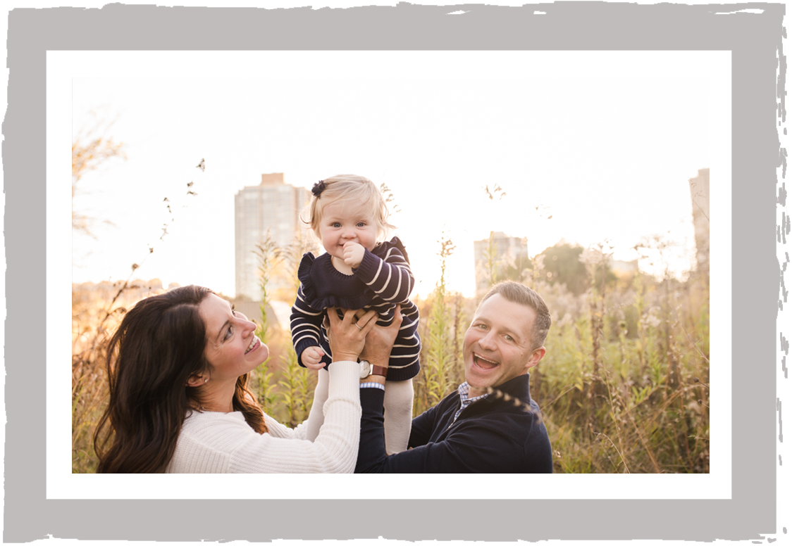 your family. captured. - If you've never had family portraits taken, you are probably thinking that this sounds a bit overwhelming. Trust me when I tell you, it is really easier than it seems.Let me walk you through what to expect, in a handful of simple steps.