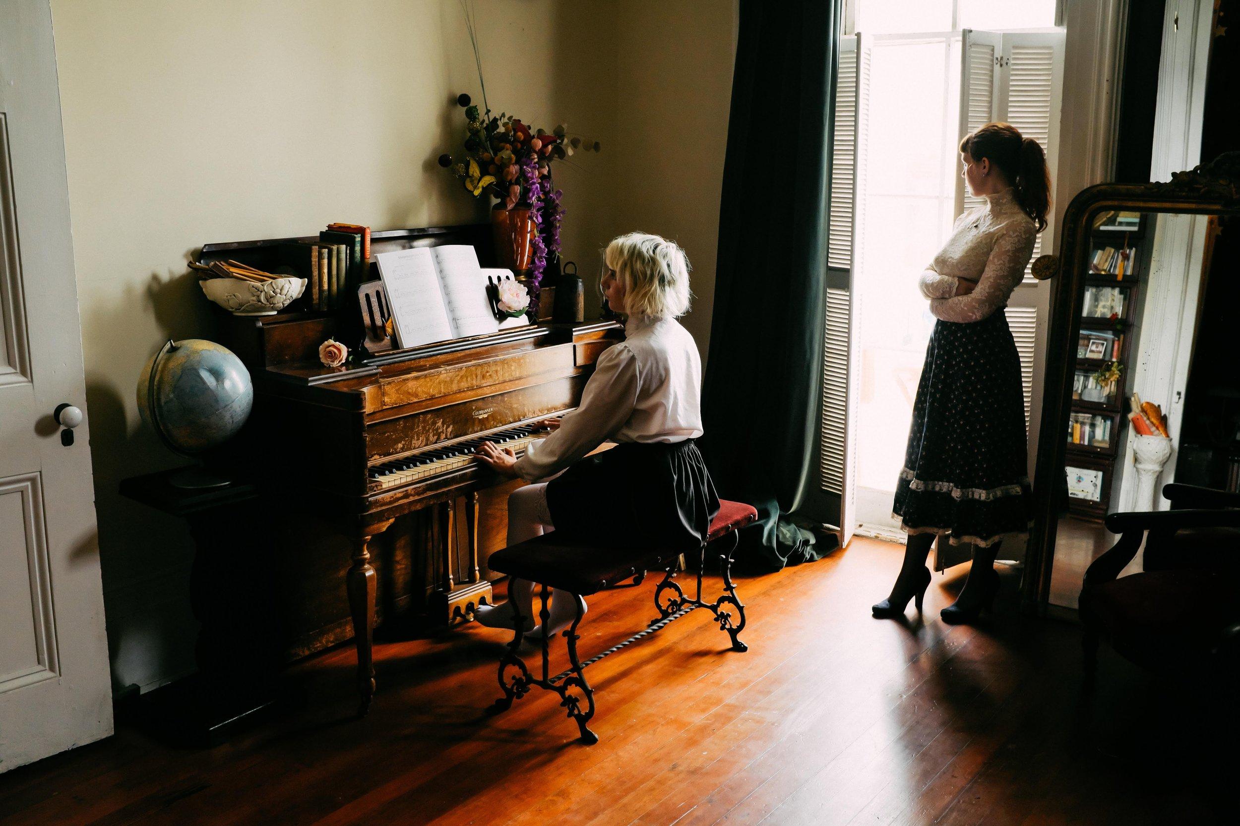 Alison&MadeleinePianoTeacherPhotoset-1.jpg