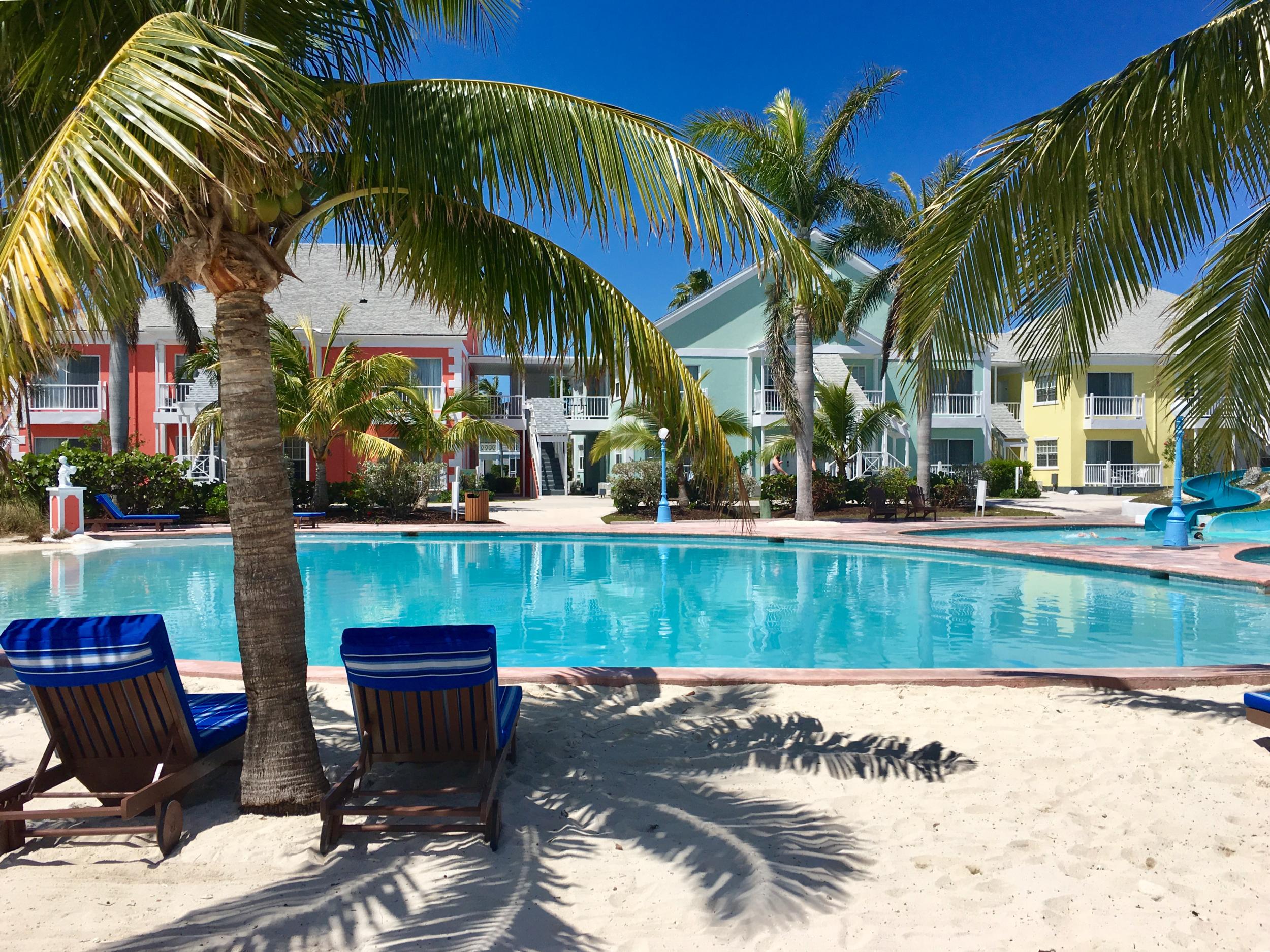 Sandyport Beach Resort Pool (8).png