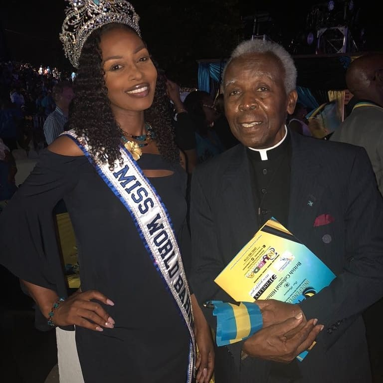 Miss World Bahamas Brinique Gibson was among the specially invited guests to attend the 45th anniversary of the Independence of the Commonwealth of The Bahamas. She had the distinct privilege of meeting the author of the Bahamian pledge of allegiance, the Rev. Dr. Philip Rahming who was also an invited guest. Brinique thoroughly enjoyed the festivities and used the opportunity to greet some of her adoring fans in attendance.