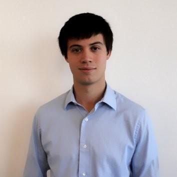 Nikolas Schreiber - 米Hoplite Power 共同創業者CTO次世代の再生可能エネルギーの開発と工業化を目指した起業活動に従事し、日本への交換留学の際に、日本の大手ガス会社とのプロジェクトなどに参画。2015年にHoplite Powerに共同創業者として参画。デラウェア大学工学部卒、ニューヨーク大学経営大学院に在学中。
