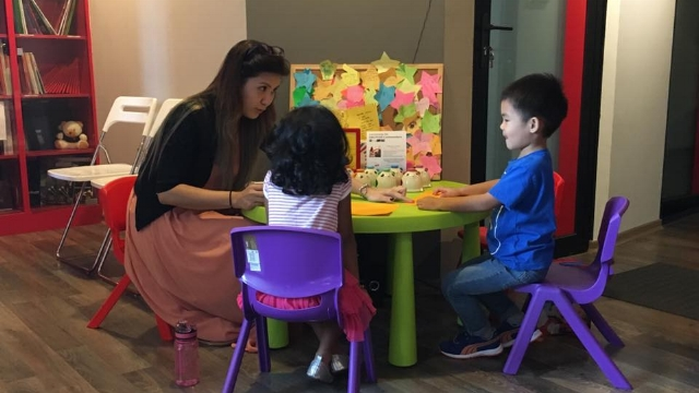 Music Explorer Course for Preschoolers (3-5 years old)  This program provides a foundation for young children to build their knowledge and curiosity for music.  • This 13-week introductory music class teaches toddlers how to have fun with music and recognize simple music notes.  • They will love the engaging activities with our excellent teachers.