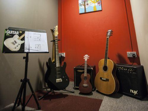 Strings Room