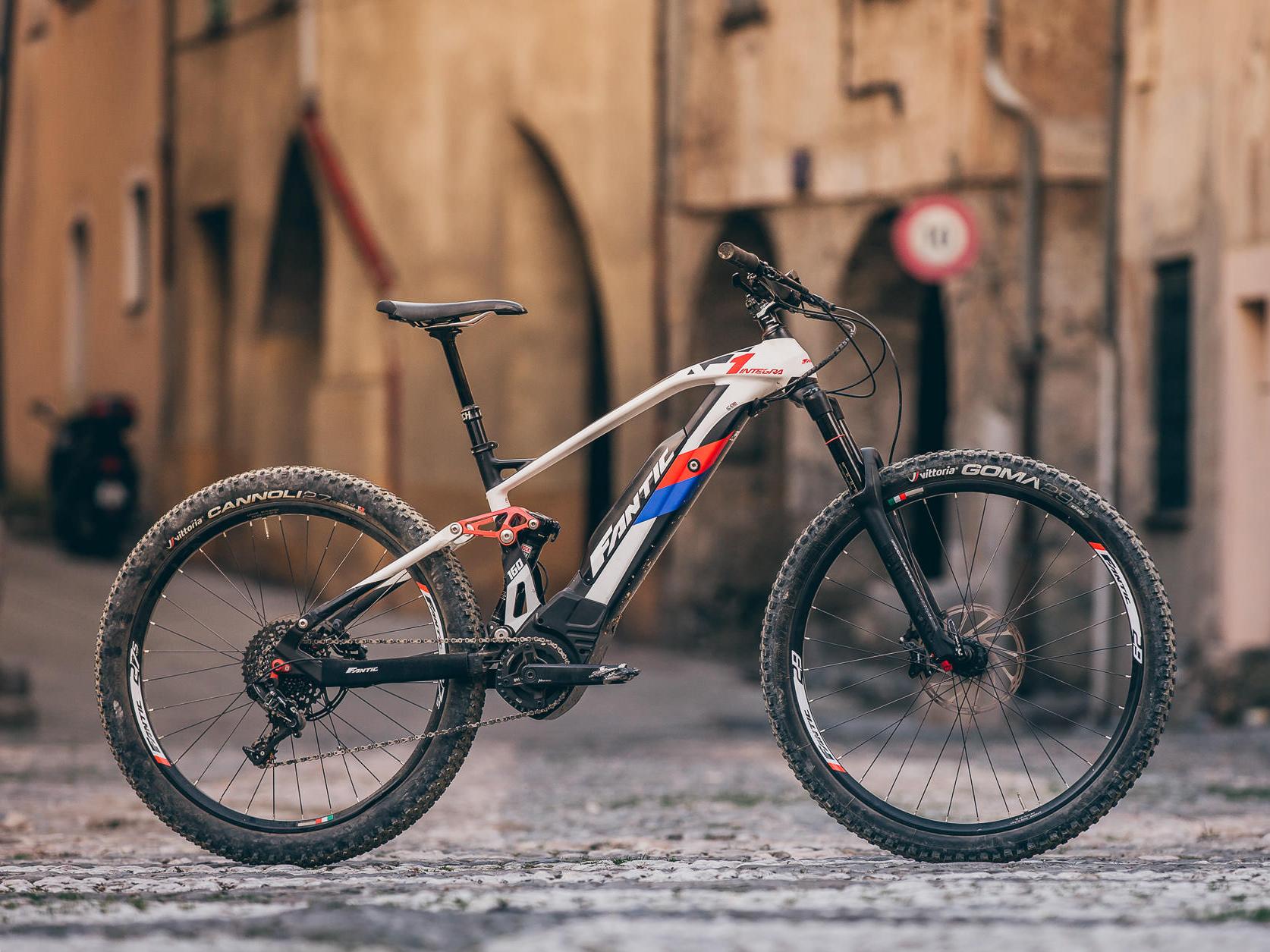 Fantic XF1 Integra Carbon 160 bike 2018.jpg