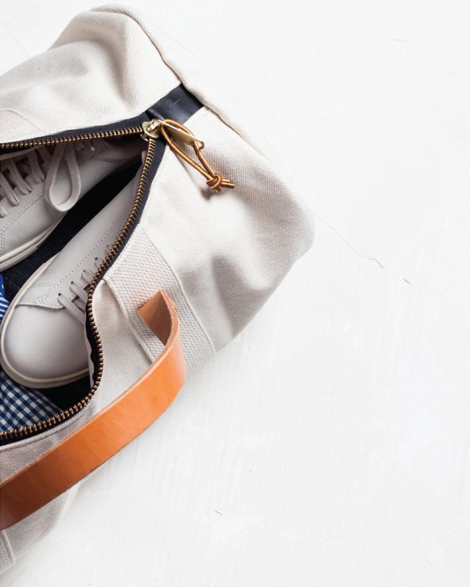 Julia-Kostreva-Studio-Branding-Joshu-Vela--backpack-laptop-2.jpg