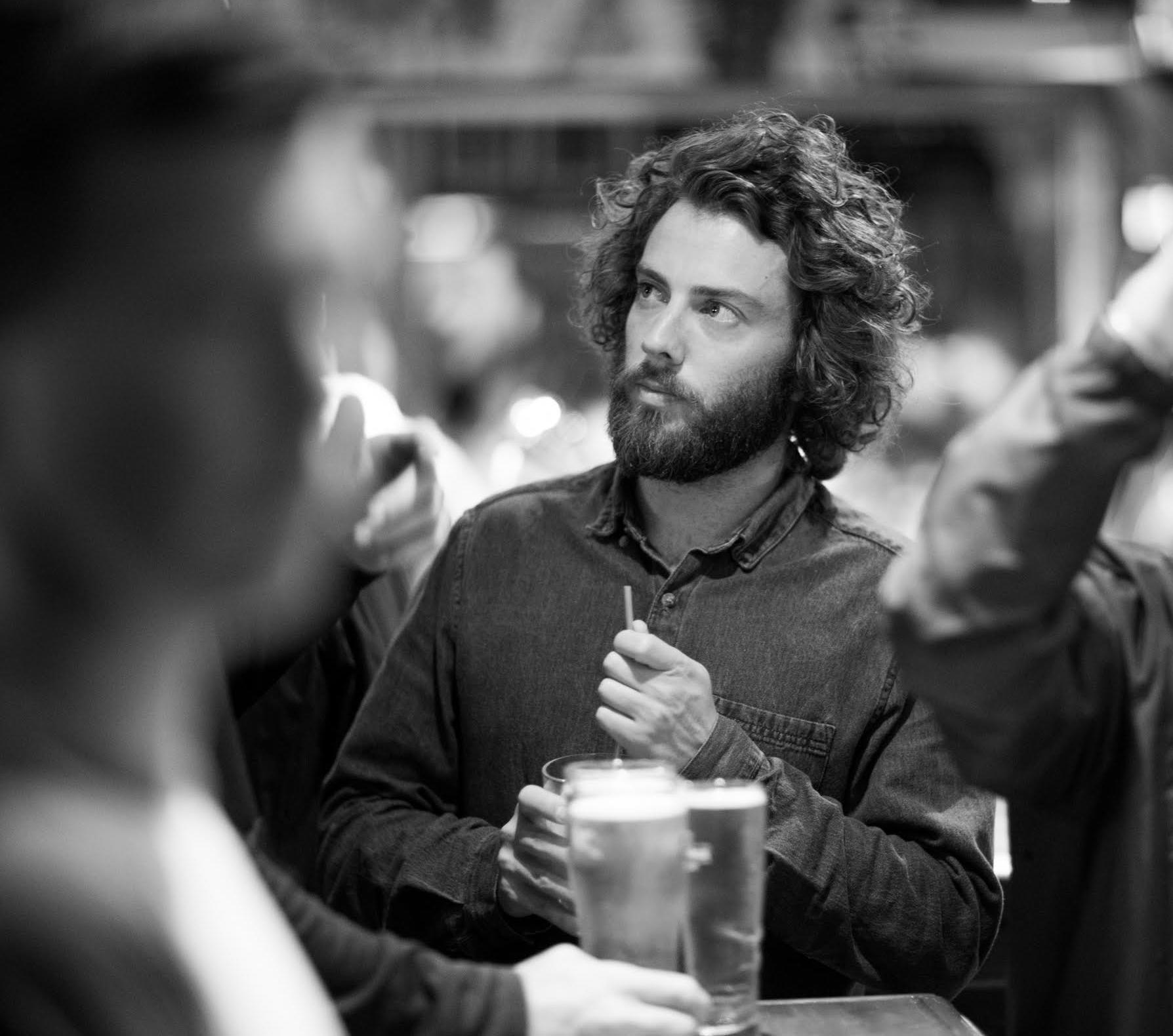 Thibault MENU - 28 ans, basé à Paris et Aix en ProvencePilote de drone, directeur de la photographie, réalisateur.Spécialisé dans les sports extrêmes, je m'ouvre au monde de la publicité, documentaire, brand content, fiction.J'aime apporter un côté cinématique et authentique à mes images.