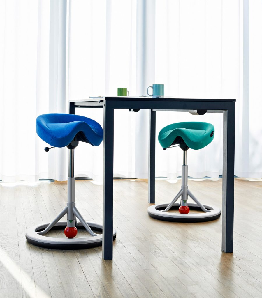 stockholm-design-week-office-furniture-trend-roundup-_dezeen_936_col_7-899x1024.jpg