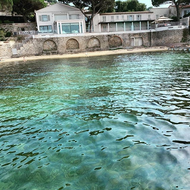 Les Baignoires  #magicspot #boatlife #rentaboat #balade #littoral #sea #golfedesainttropez #paca #vartourisme #var