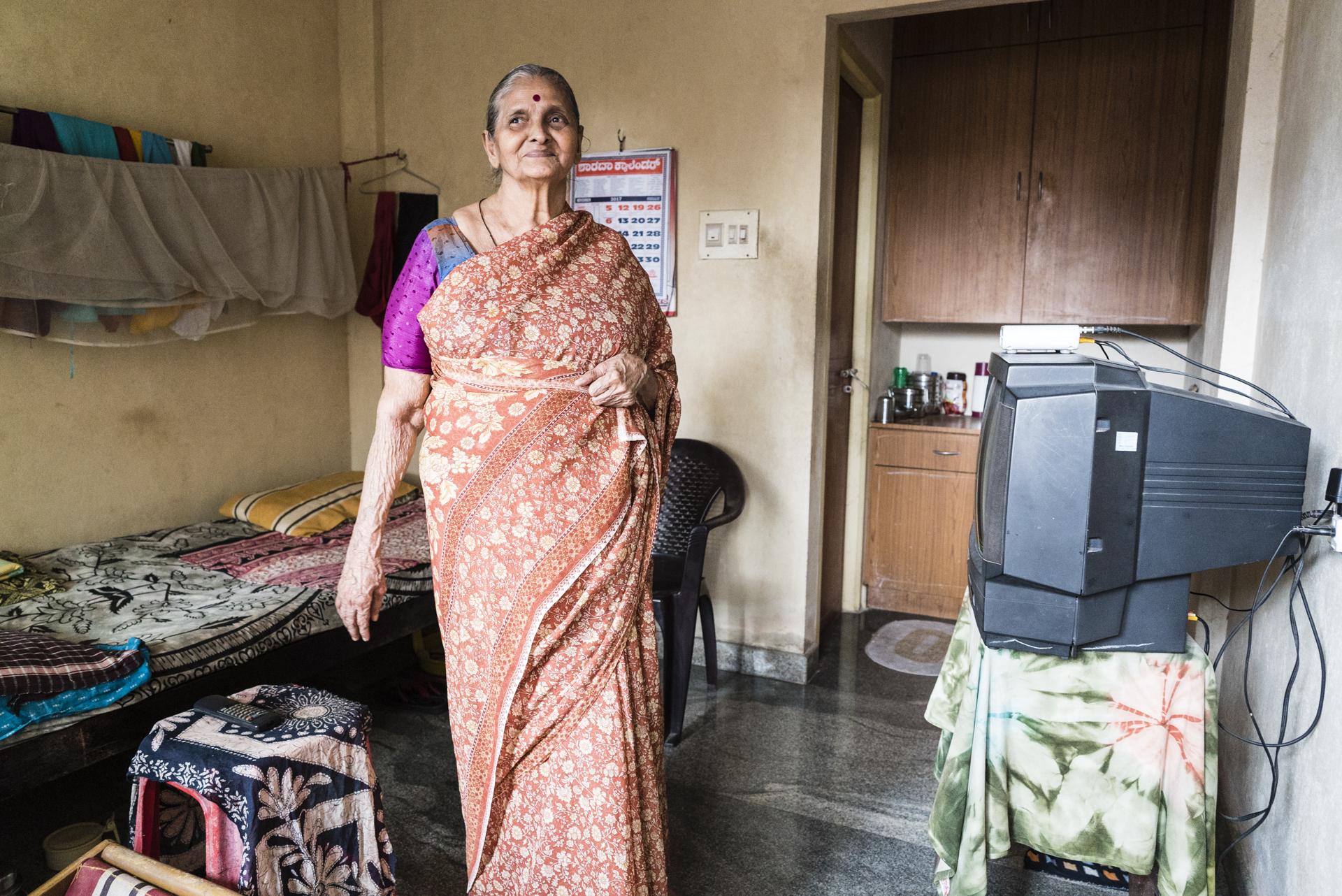 Zuflucht: Altenheime und Pflegedienste, die sich um mittellose alte Menschen kümmern, sind in Indien selten. Dazu kommt, dass kaum jemand in der Altenpflege arbeiten will. Fotos: Benjamin Füglister