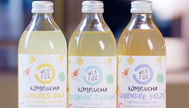 Pass the ice cubes ❄️❄️👌#SupplierSunday are friends @wildfizzkombucha - the most delicious & refreshing #kombucha out there, and at just 1.2g sugar per 100ml it's the lowest sugar of all the London-brewed kombucha too. Gina and Luke also happen to be total legends; we're so proud to partner with them at High 🙏😘. * Kombucha is one of our #Your5Ks - five delicious fermented foods you can included into a varied, #vegcentric diet for good gut health... along with #Kraut, #Kimchi, #Kefir and (kamut) #Sourdough - the tricky one! Thank you @tommcoles for the beautiful shot. Video coming soon..! * #gowithyourgut #slowfoodfast #highmoodfood #kombucha #your5ks #HighKulture #fermenteddrinks #fermentedtea #wildfizz #thatsavourytang