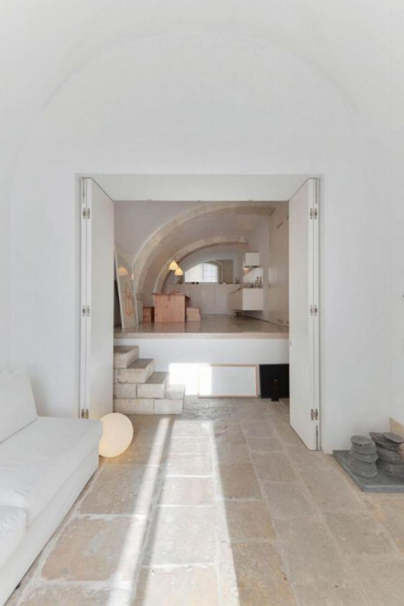 Casa na Rua de São Mamede ao Caldas residence in Lisbon, Portugal. We love the beautiful curved ceiling… Image Via Pinterest.