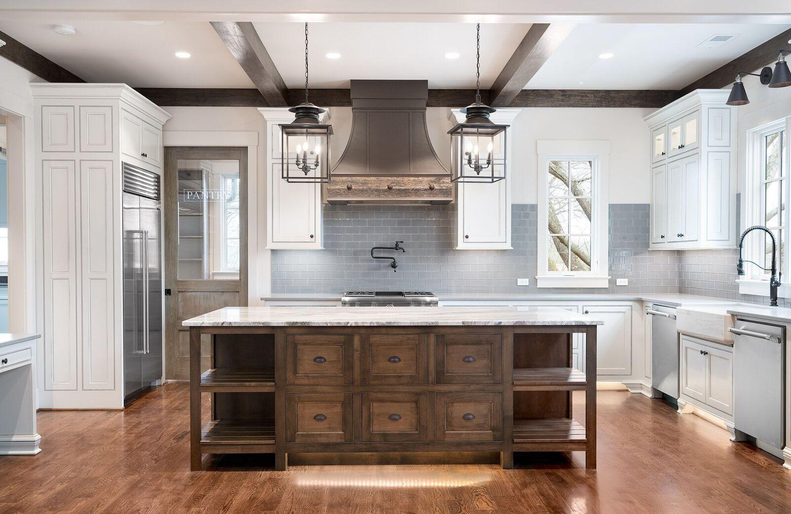 Kitchens & Islands -