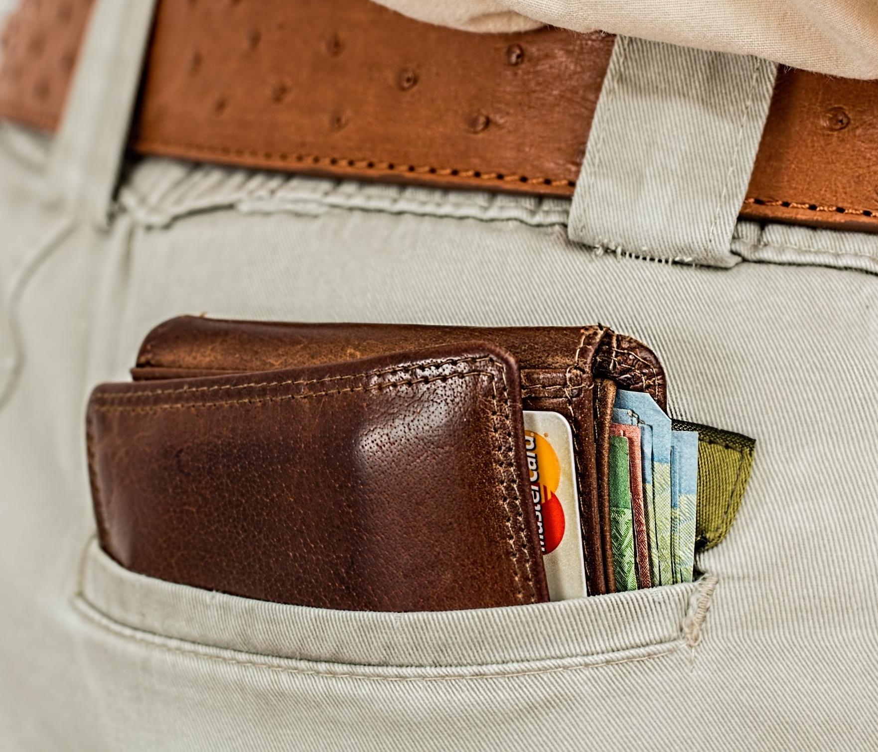 belt-cash-credit-card-33250.jpg