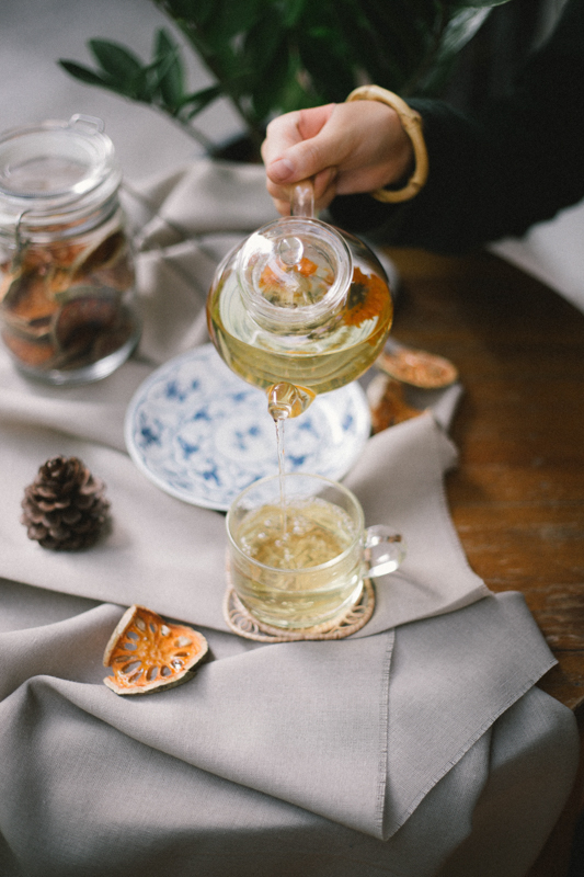 12-We have more than 10 local herbal tea at the Better Moon cafe, you can mix and have your own tea.jpg
