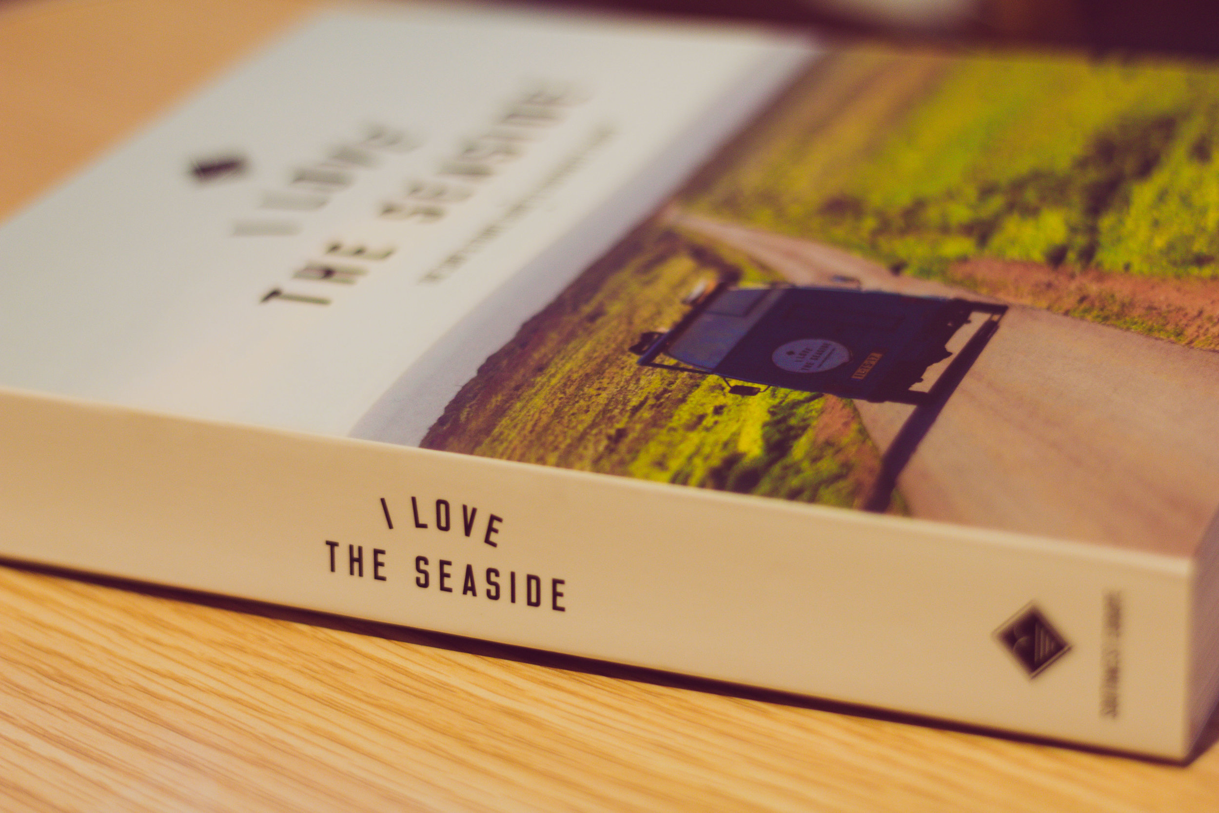 I LOVE THE SEASIDE - BOOKS | LIVROS