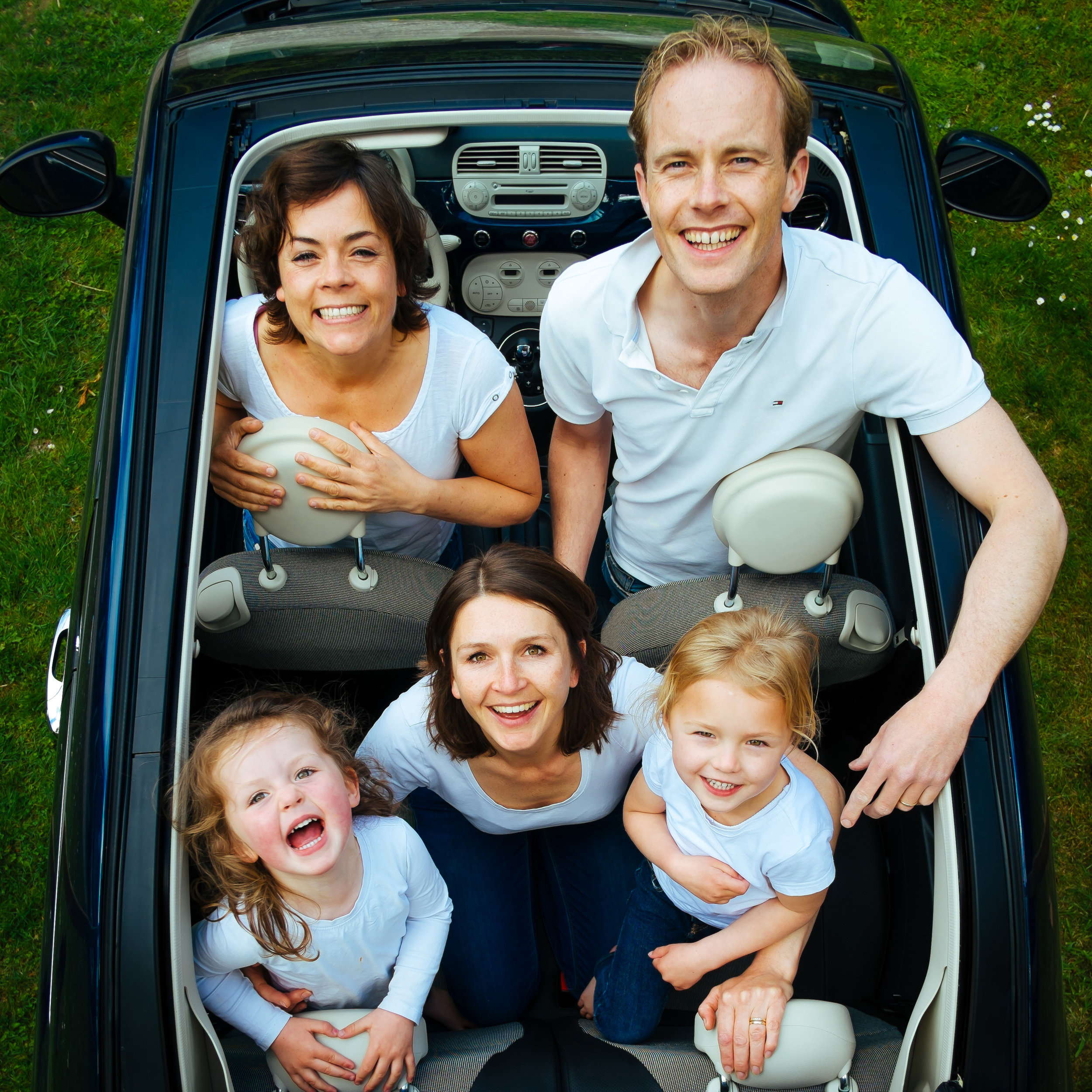car-children-dad-8509-SQUARE.jpg