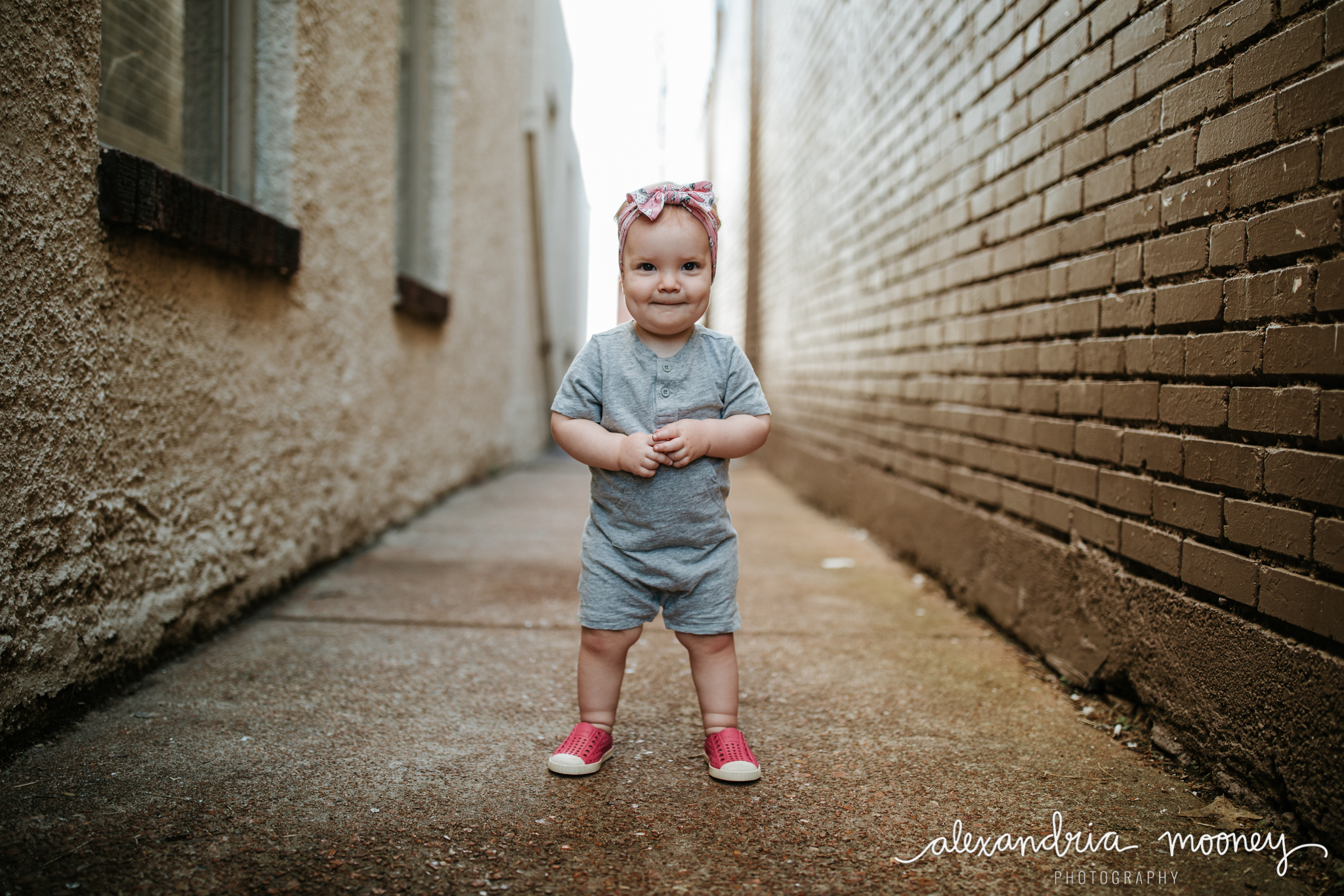 AnnieintheAlley_Watermarked-2.jpg