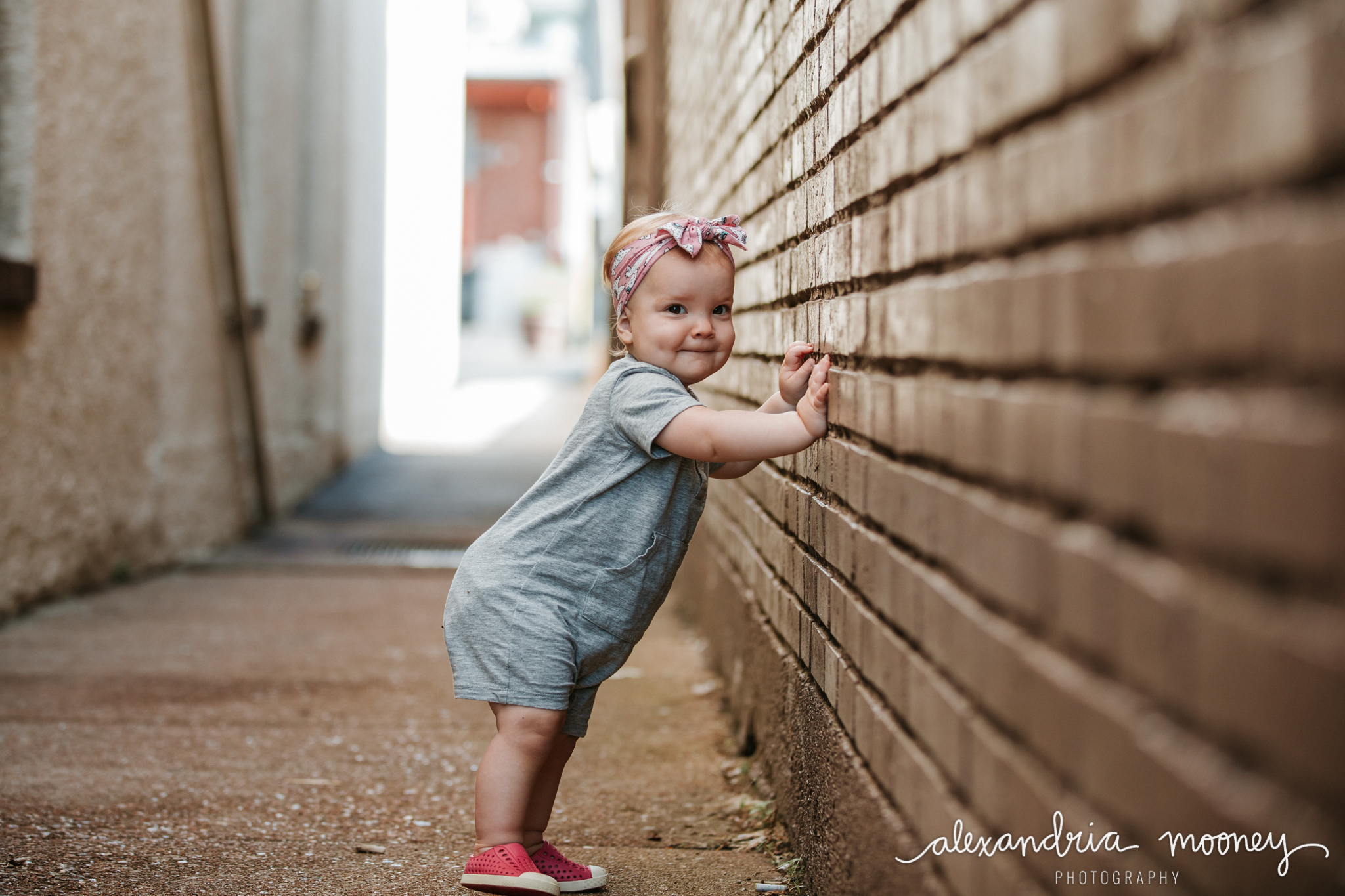 AnnieintheAlley_Watermarked-4.jpg