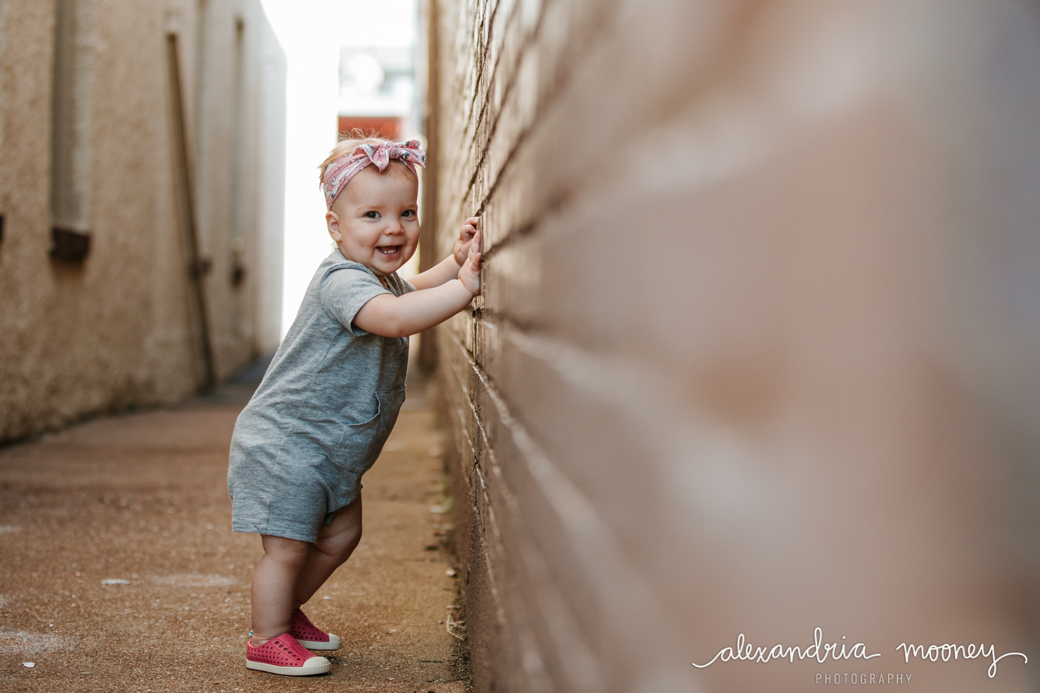 AnnieintheAlley_Watermarked-6.jpg