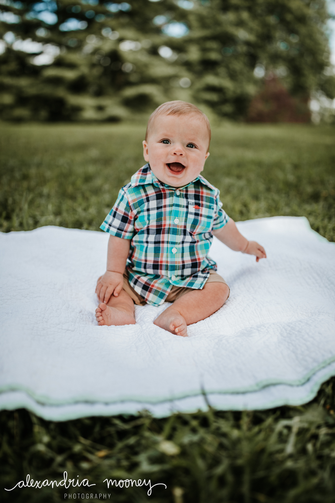 Connor_6monthsold_WATERMARKED-2.jpg