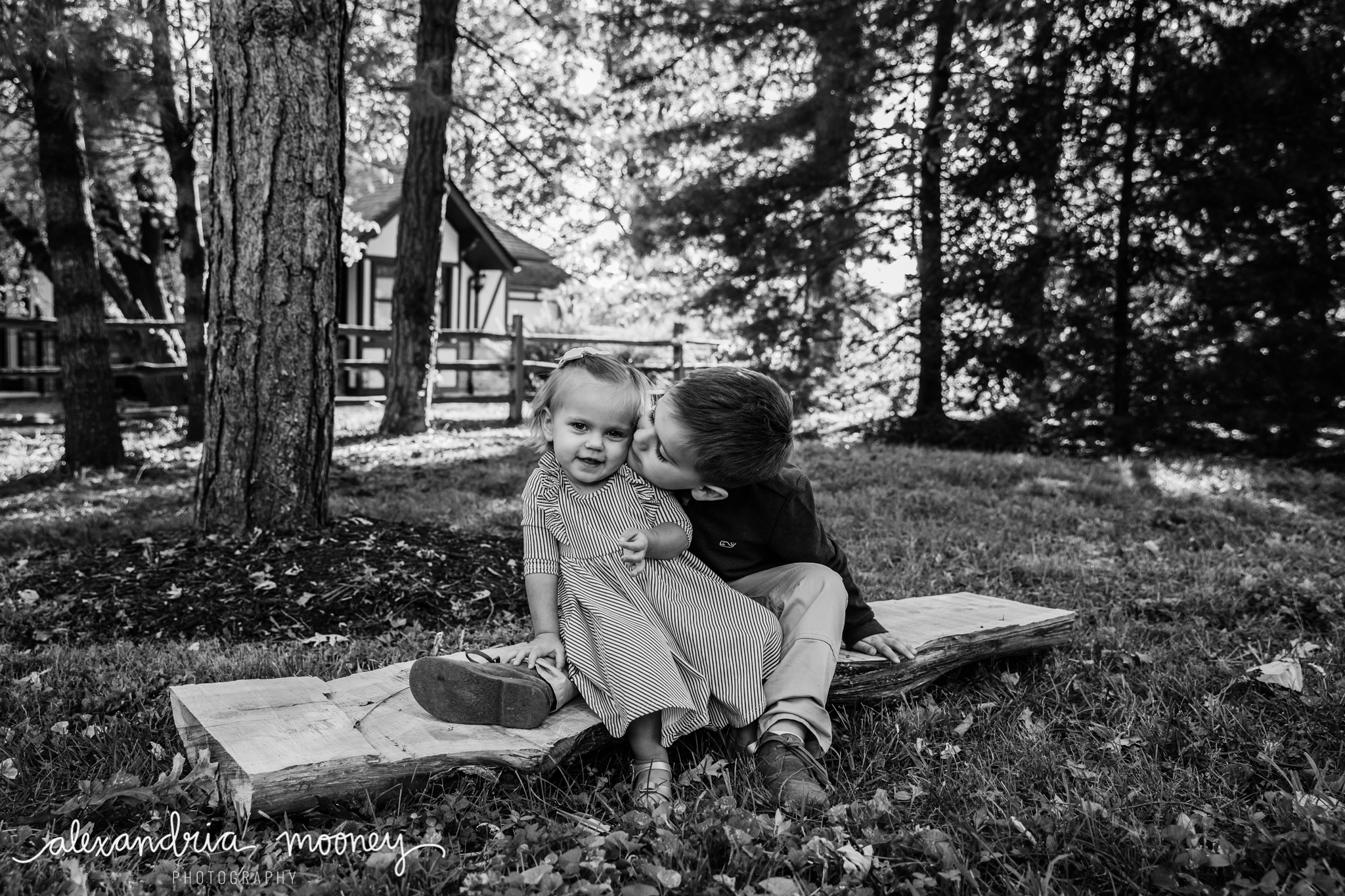 Carter_and_Evelyn_WATERMARKED-32.jpg