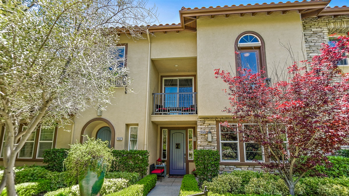 SOLD!! - 28565 Herrera Street | Beautiful West Creek of Valencia at Esperto Townhouse with 2 master bedrooms. This rare floor plan features an open living space with upgraded wood flooring throughout a master bedroom balcony with views of hills and park.