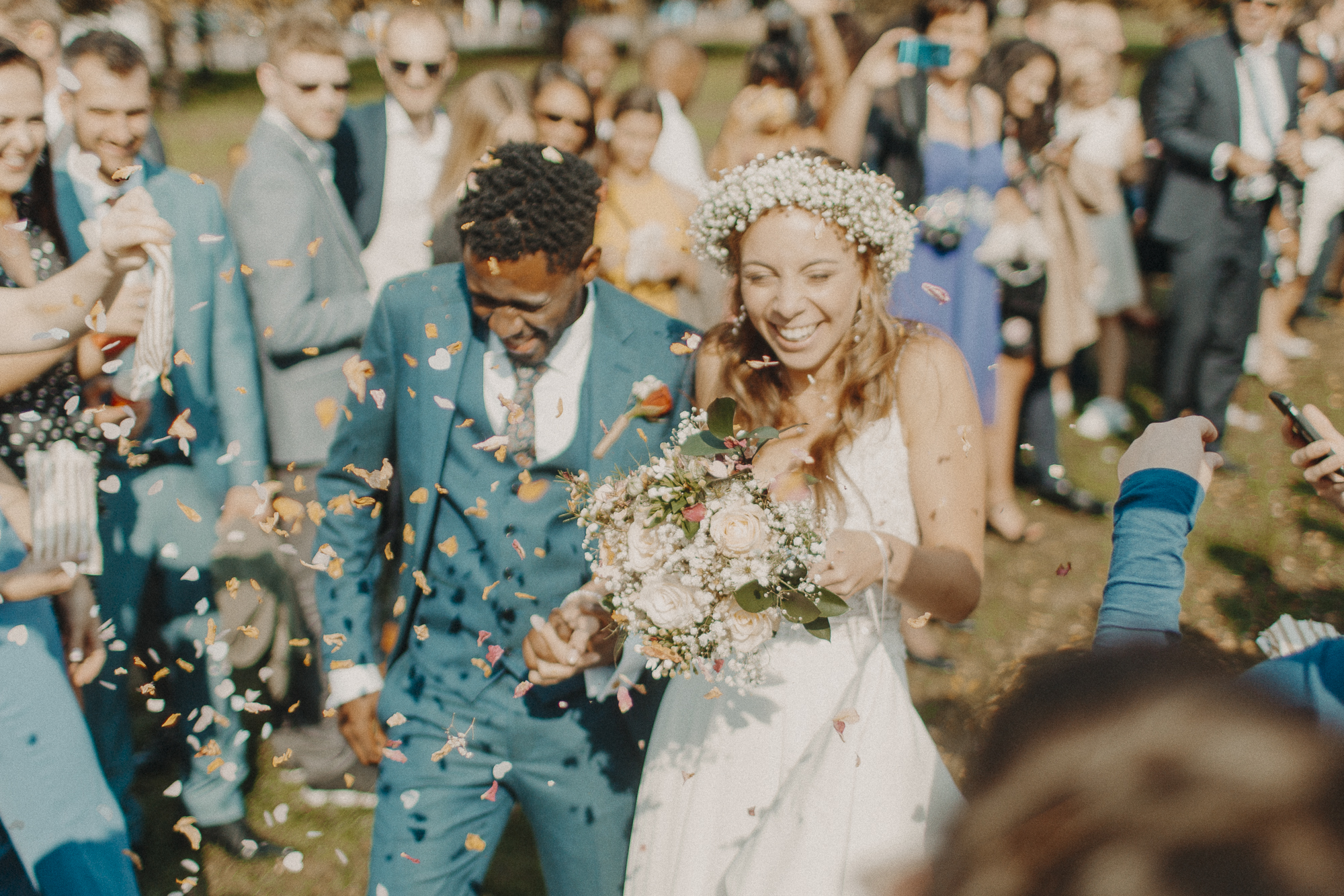 SOPHIE & DWAYNE - hitched in the British summertime