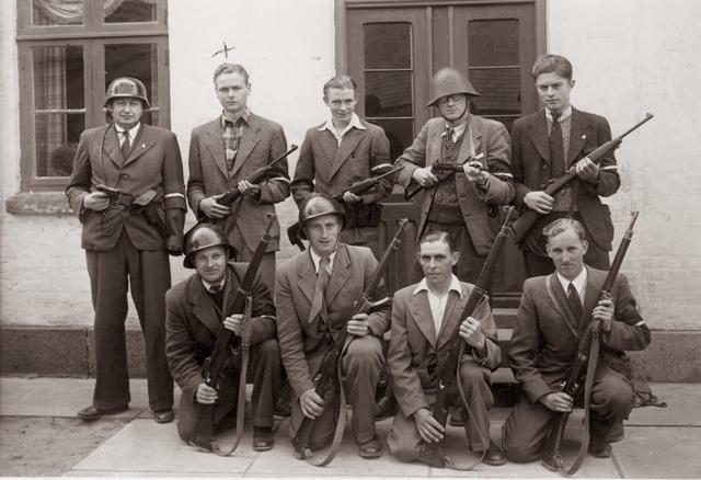 Danish_Resistance_1945.jpg