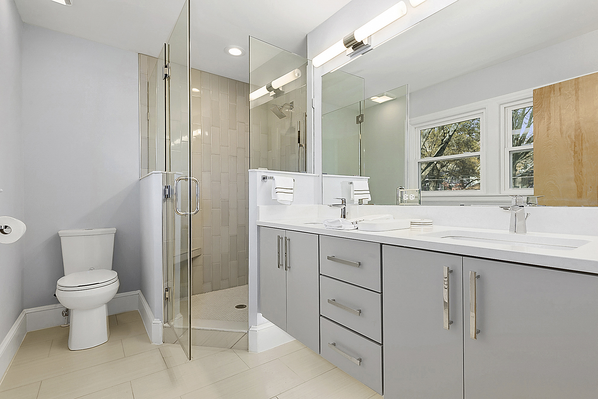 Designer bathroom 1