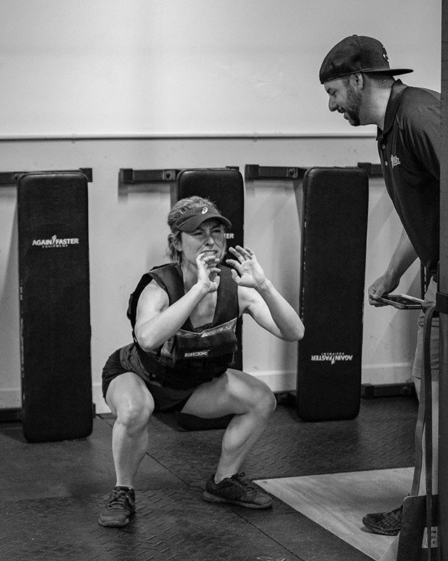 #Murph 2019 . Sometimes, when you're in the thick of it, you just need someone coaching you on, having your back... . Good life lesson there. . #crossfit #murphchallenge #crossfitfullpotential #cffp #memorialday #northshorema #newburyport #fuji_xseries #acros