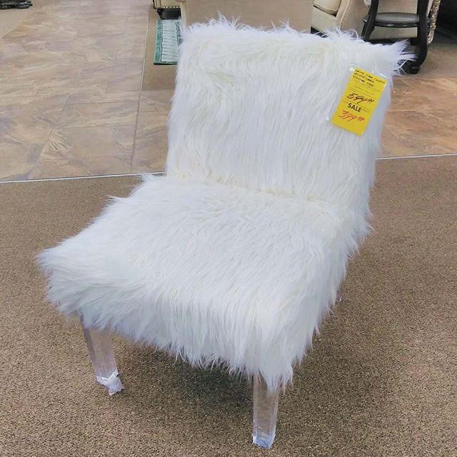 #Chair #Furry #Whitefur #Accentchair