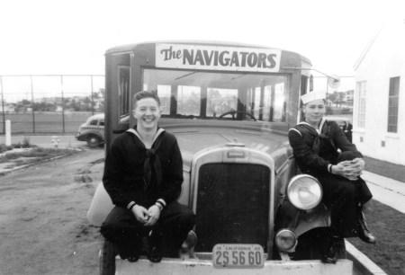 Nav-Bus-01.jpg