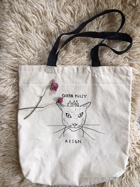 Queen Pussy Tote: $15.00