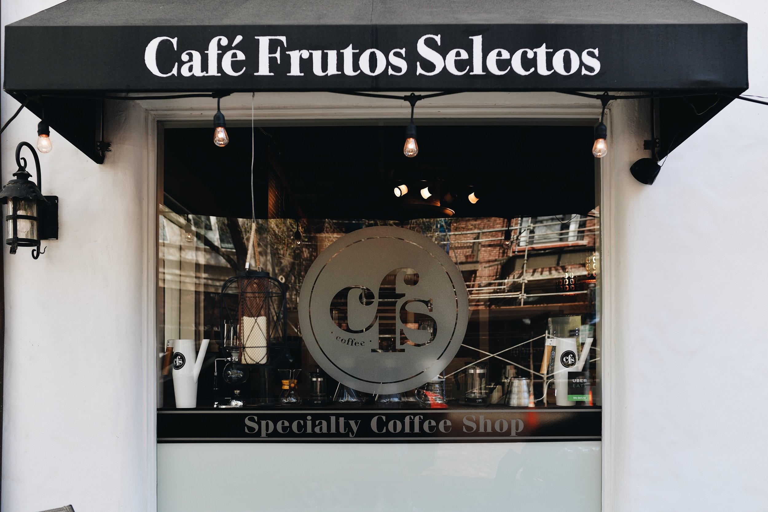 Café Frutos Selectos - 430 W New England Av. Suite A (1,188.51 mi)Winter Park, Florida 32789407.757.9510