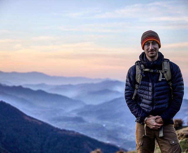 Throwback to #Himalayas and our favourite team photographer @nico.wills. He teaches our participants how to take brilliant shots - whilst also telling some extraordinary stories around the camp fire 📸⛰🙌🏼 #photography #travel #mountains #india #himalayas #photographer #ig #beautifuldestinations #justchallenge #inthistogether