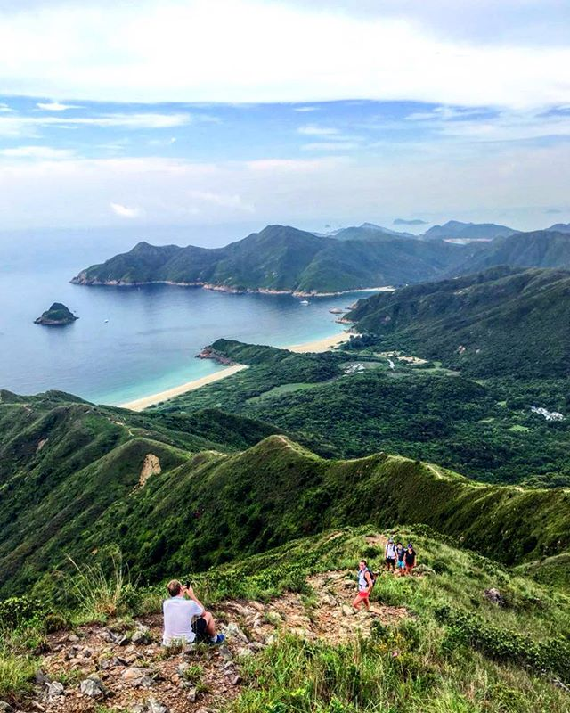 What a privilege for Just Challenge to have the Hong Kong trails on our doorstep. An early start on Sharp Peak to get the training in and recce the routes 👊🏼⛰🇭🇰 #hongkong #trails #hiking #outdoors #mountains #nature #asia #trailrunning #sharppeak #asia #friends #justchallenge #inthistogether