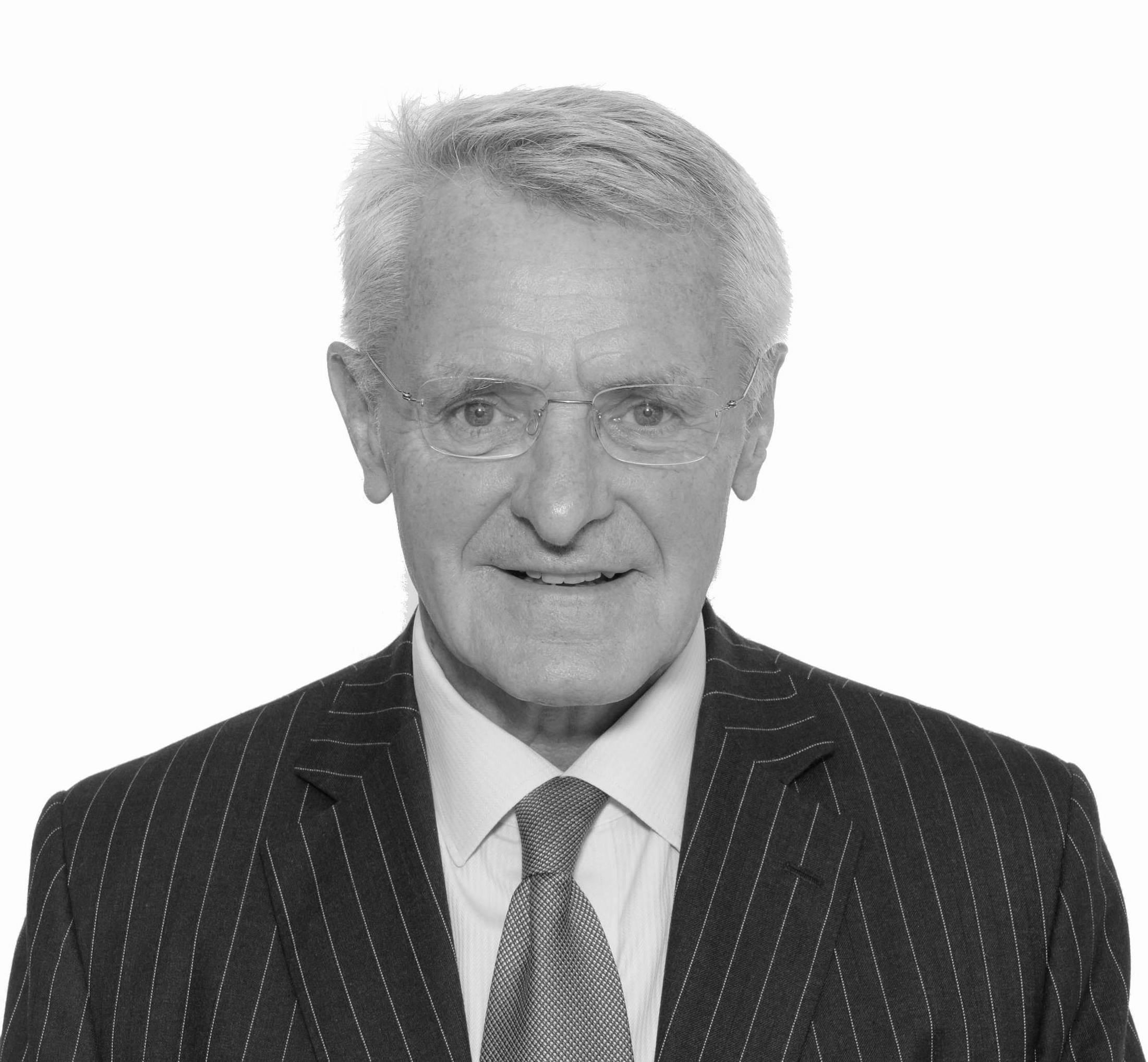 Stuart Leckie OBE, Stirling Finance