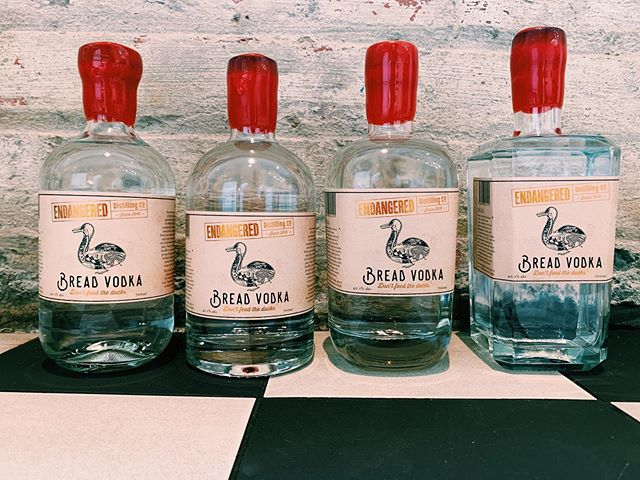 We love a creative and delicious way to combat food waste! Introducing @bread.vodka, made from excess bread donated by cafés and bakeries around Hobart and packaged in recycled spirits bottles! $75, run don't walk #dontfeedtheducks #endangereddistillingco #tasmanianmade #sustainableliving