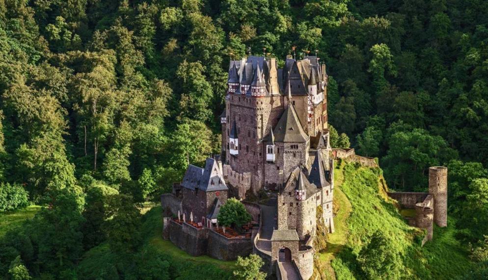 castles1.PNG