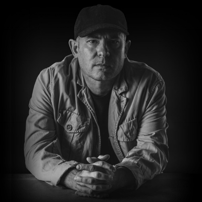 Dan Carlin    Dan Carlin  is the host of the wildly-successful podcasts,  Hardcore History,   Common Sense  and  Hardcore History: Addendum .