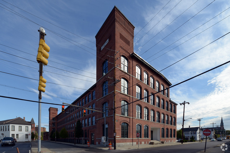 slater-cotton-mill-pawtucket-ri-building-photo.jpg
