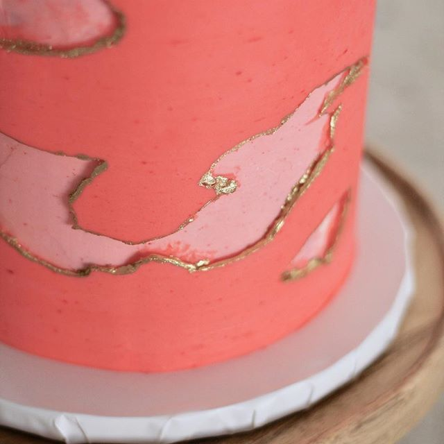 "Let your imagination run wild! One of the most common questions couples ask me is, ""What do most people pick for their cake?"" And I always say, ""Pick what you want, this is YOUR day!"" And that is always met with an easy smile, and sigh of relief. . . . . . . #doyou #livingcoral #pantonecoloroftheyear #pantonecoloroftheyear2019 #elegantweddingcake #sacramentobakery #weddingbakery #sacramentoweddingcake #sacramentoweddingvendor #weddingcakesacramento #buttercreamcake #thatsdarling #buttercream #goldleafcake #newtraditions #createyourowntraditions #colorfulweddingcake @americolor"