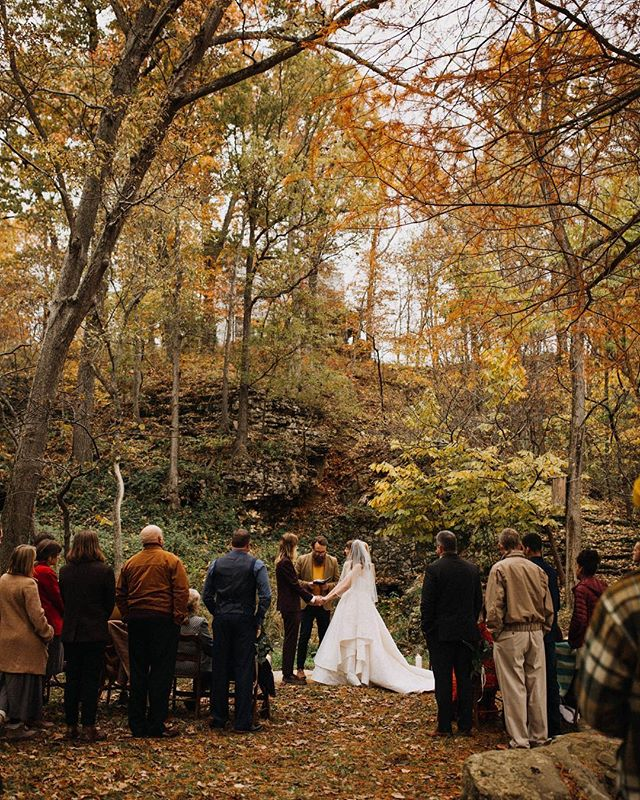 Dreaming of this spot for 1 of 4 shoots at this year's workshop. 😍 We'll even have an intimate ceremony set up. Can't wait to see it all green and lush for August! Not to mention the waterfall and rock arch behind them 😉 Our creative juices are flowing already! Details at the link in bio.