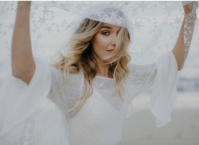 Beth from @joonbridal sent us a picture of this veil and holy cow have I been so giddy the last couple of days. You all have no idea how incredible the shoot portion of this year's workshop is going to be 😍